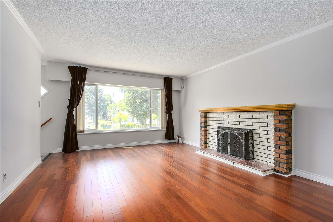 Detached at 5382 EARLES STREET, Vancouver East, British Columbia. Image 1