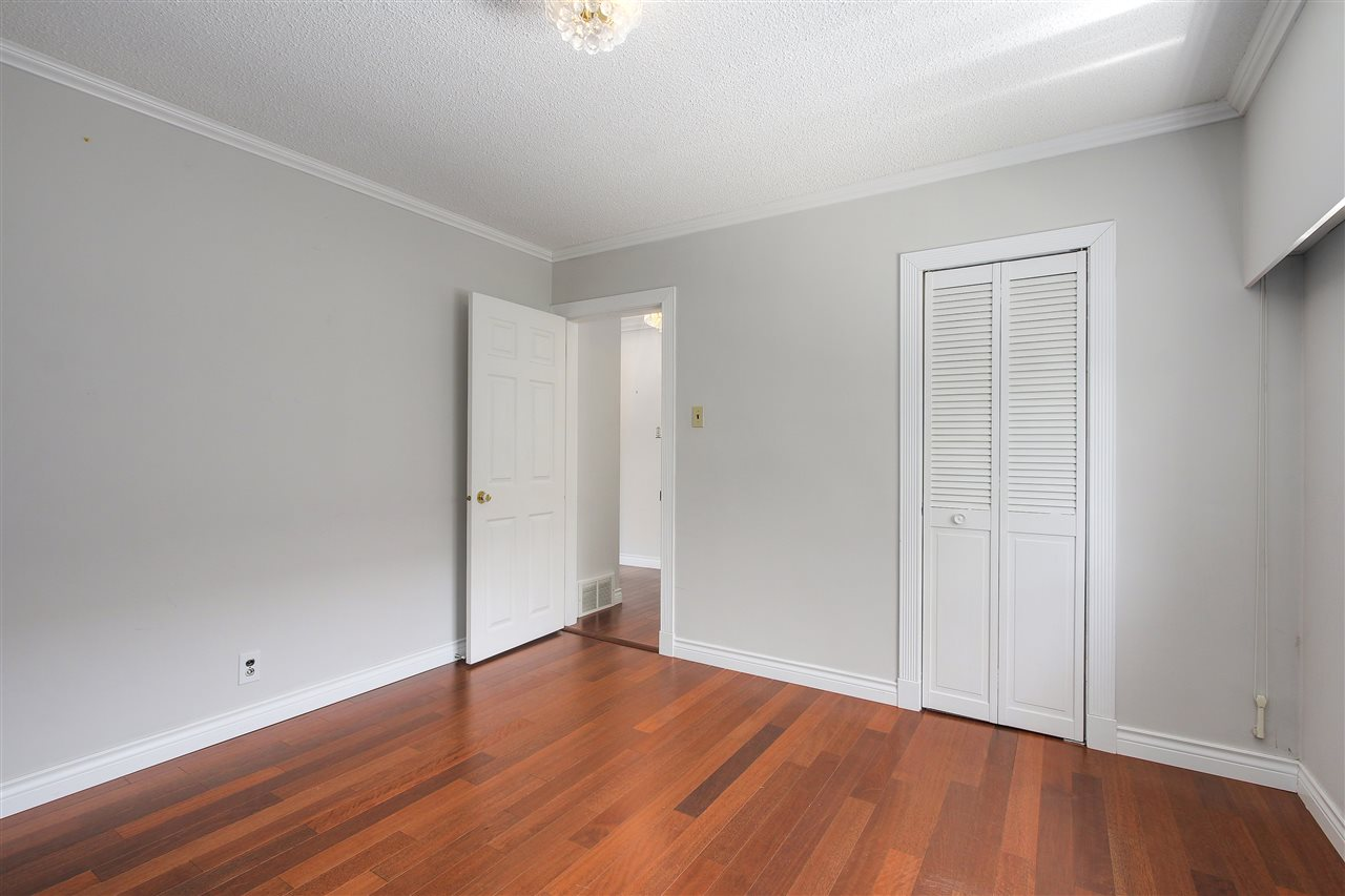 Detached at 5382 EARLES STREET, Vancouver East, British Columbia. Image 7