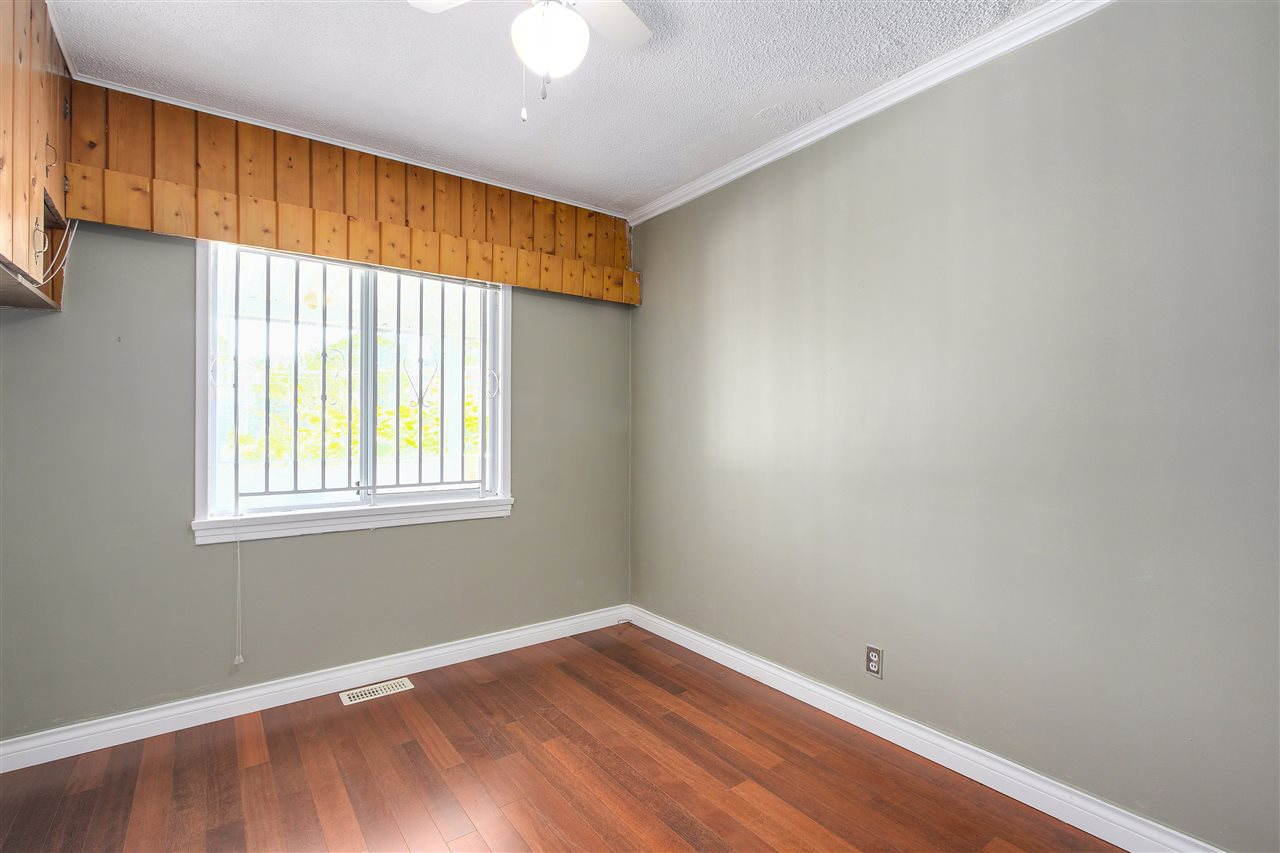 Detached at 5382 EARLES STREET, Vancouver East, British Columbia. Image 8
