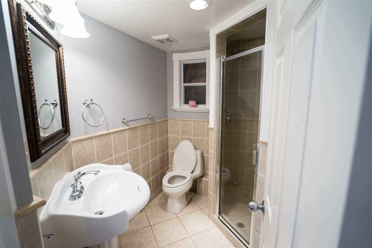 Detached at 5382 EARLES STREET, Vancouver East, British Columbia. Image 13