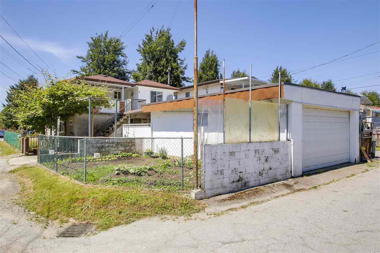 Detached at 5382 EARLES STREET, Vancouver East, British Columbia. Image 15