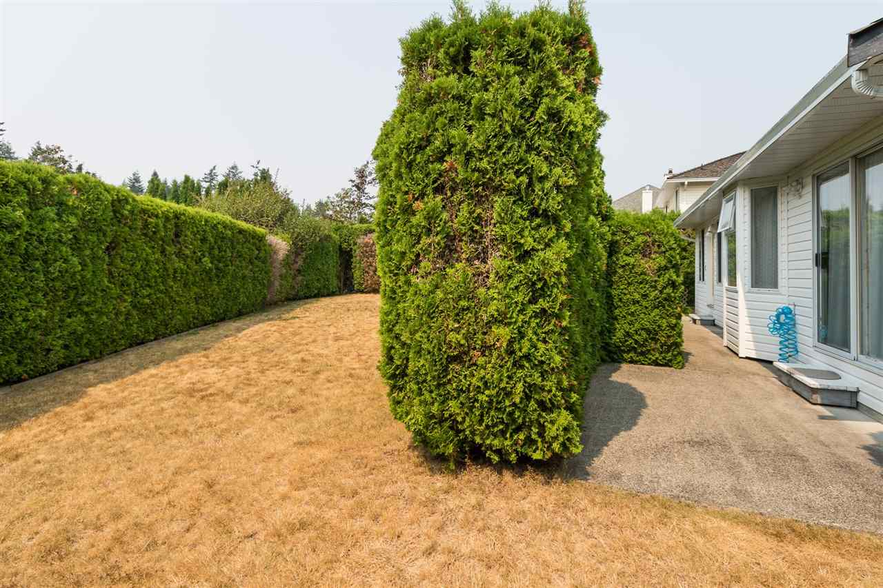 Detached at 5885 133A STREET, Surrey, British Columbia. Image 19