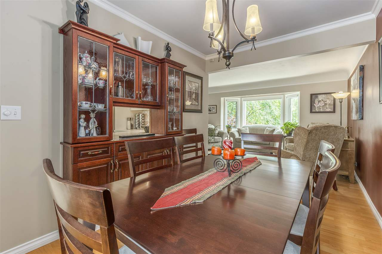 Detached at 3865 SOUTHWOOD STREET, Burnaby South, British Columbia. Image 6