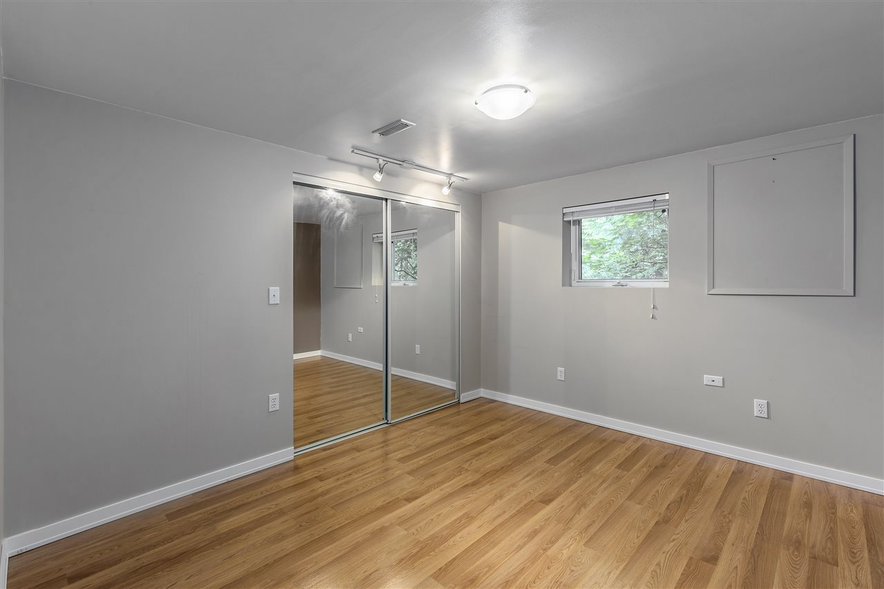 Detached at 3865 SOUTHWOOD STREET, Burnaby South, British Columbia. Image 15