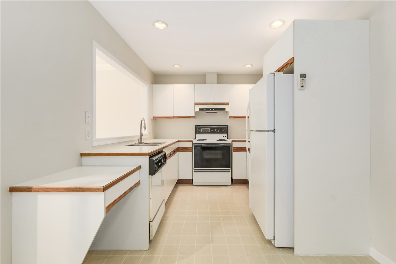 Townhouse at 102 250 E 11TH STREET, Unit 102, North Vancouver, British Columbia. Image 5
