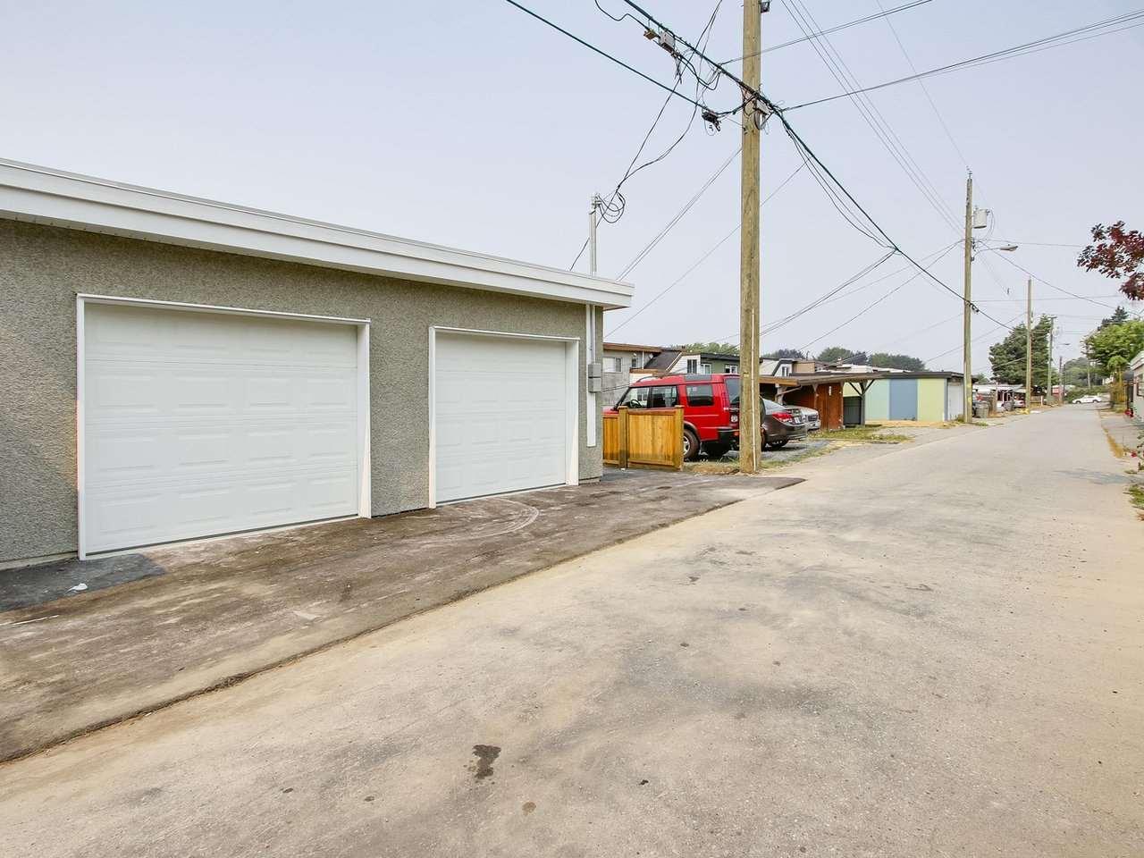 Half-duplex at 5854 MAIN STREET, Vancouver East, British Columbia. Image 15