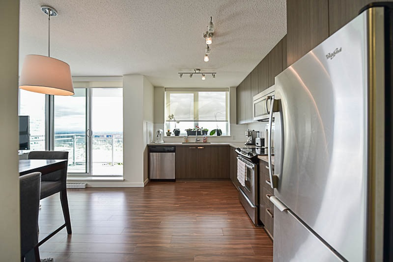 Condo Apartment at 2609 13325 102A AVENUE, Unit 2609, North Surrey, British Columbia. Image 6
