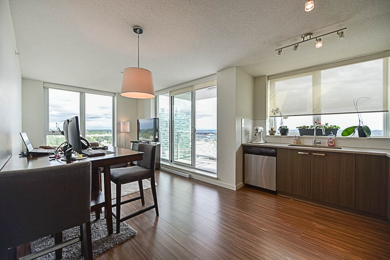 Condo Apartment at 2609 13325 102A AVENUE, Unit 2609, North Surrey, British Columbia. Image 7