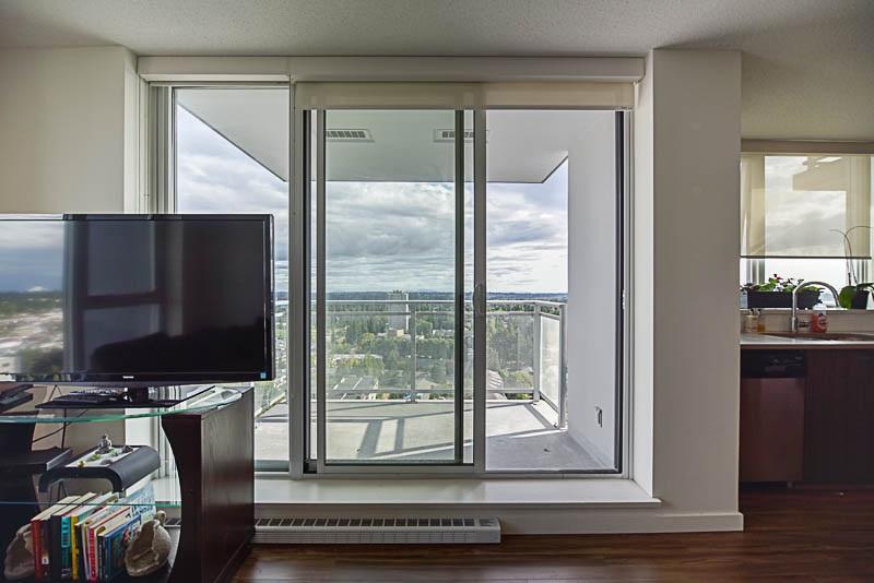 Condo Apartment at 2609 13325 102A AVENUE, Unit 2609, North Surrey, British Columbia. Image 10