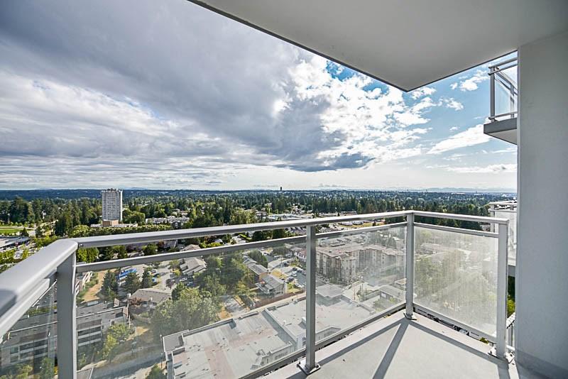 Condo Apartment at 2609 13325 102A AVENUE, Unit 2609, North Surrey, British Columbia. Image 12