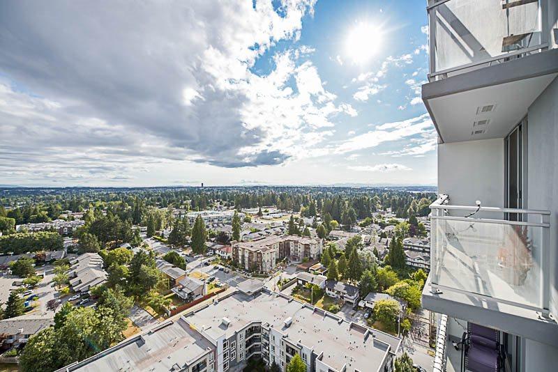 Condo Apartment at 2609 13325 102A AVENUE, Unit 2609, North Surrey, British Columbia. Image 14