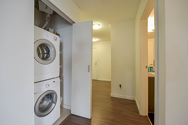 Condo Apartment at 2609 13325 102A AVENUE, Unit 2609, North Surrey, British Columbia. Image 16