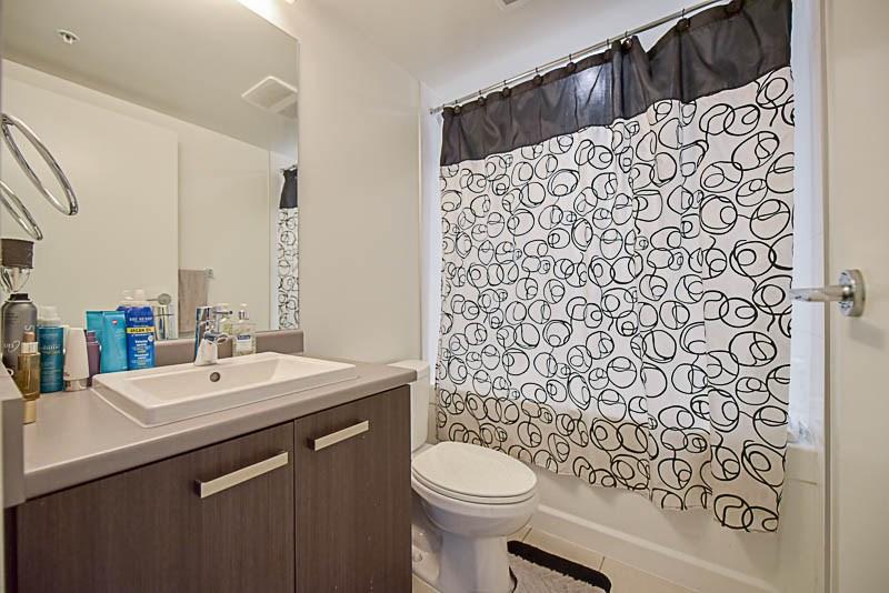 Condo Apartment at 2609 13325 102A AVENUE, Unit 2609, North Surrey, British Columbia. Image 17