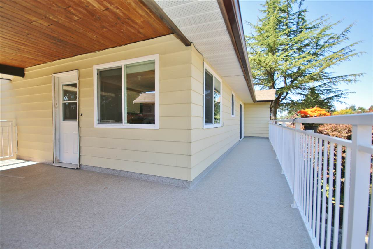 Detached at 8323 GREENHILL PLACE, N. Delta, British Columbia. Image 9