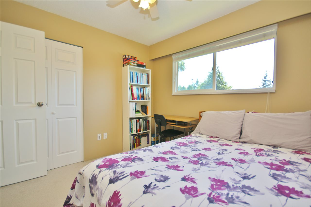 Detached at 8323 GREENHILL PLACE, N. Delta, British Columbia. Image 11
