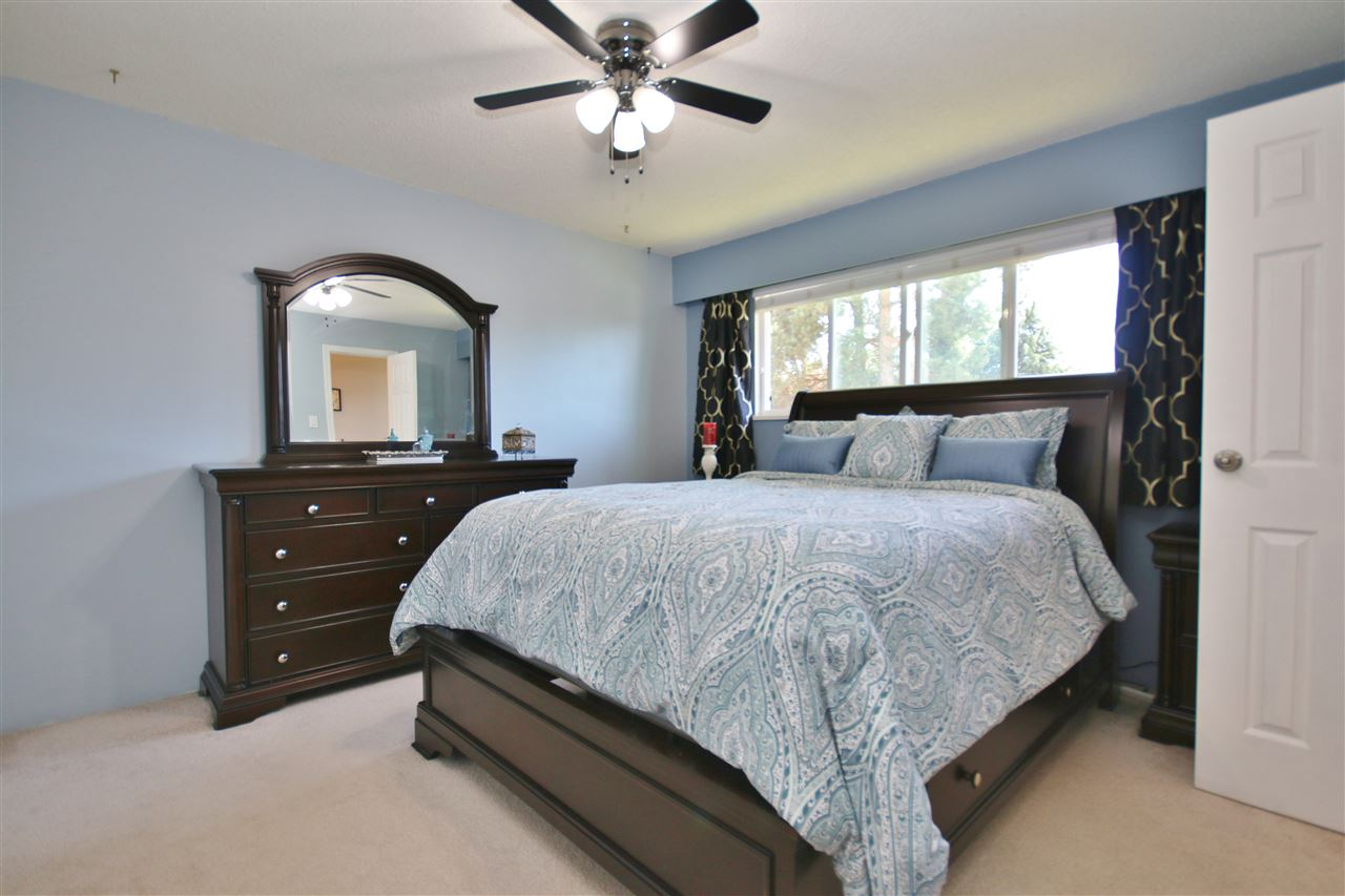 Detached at 8323 GREENHILL PLACE, N. Delta, British Columbia. Image 13
