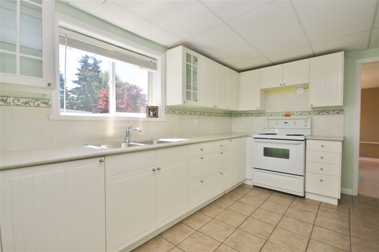 Detached at 8323 GREENHILL PLACE, N. Delta, British Columbia. Image 16
