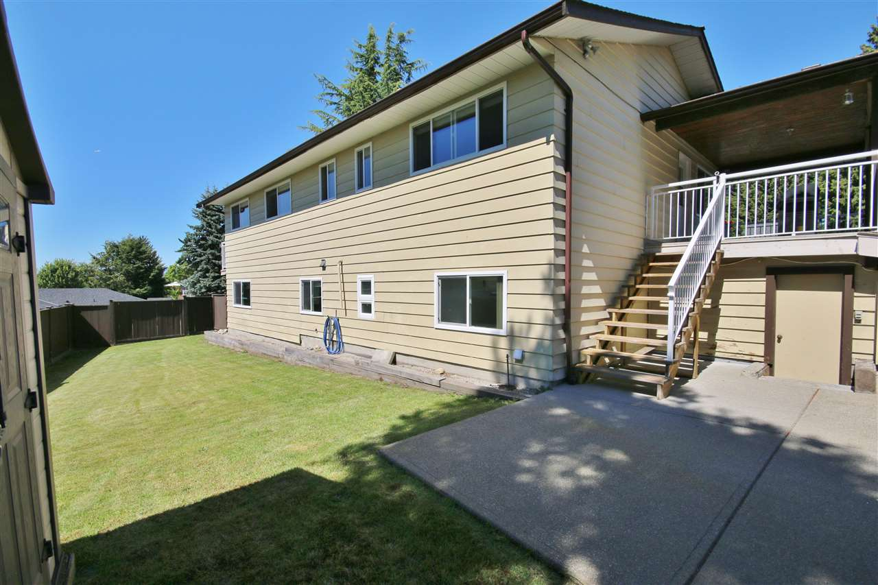 Detached at 8323 GREENHILL PLACE, N. Delta, British Columbia. Image 18