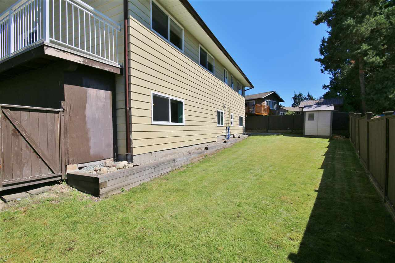 Detached at 8323 GREENHILL PLACE, N. Delta, British Columbia. Image 19