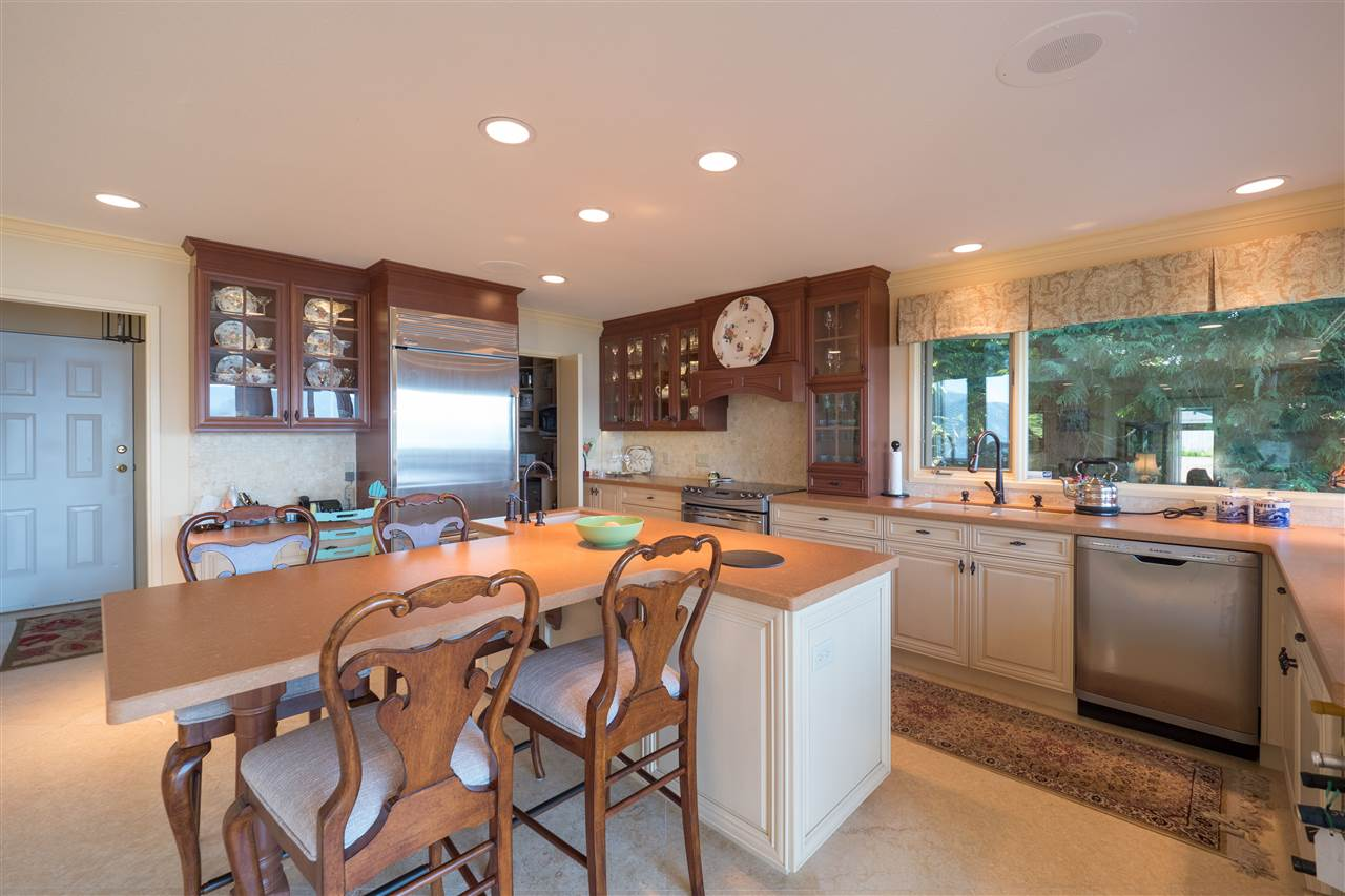 Detached at 70 PANORAMA ROAD, West Vancouver, British Columbia. Image 6