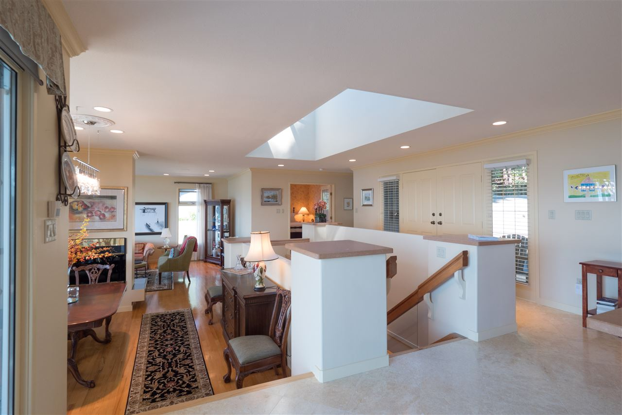 Detached at 70 PANORAMA ROAD, West Vancouver, British Columbia. Image 9