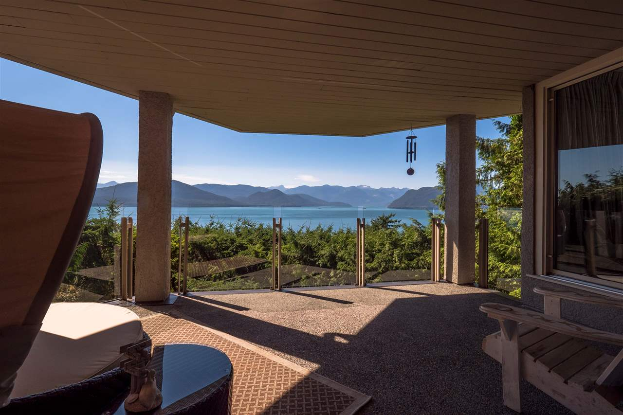 Detached at 70 PANORAMA ROAD, West Vancouver, British Columbia. Image 17