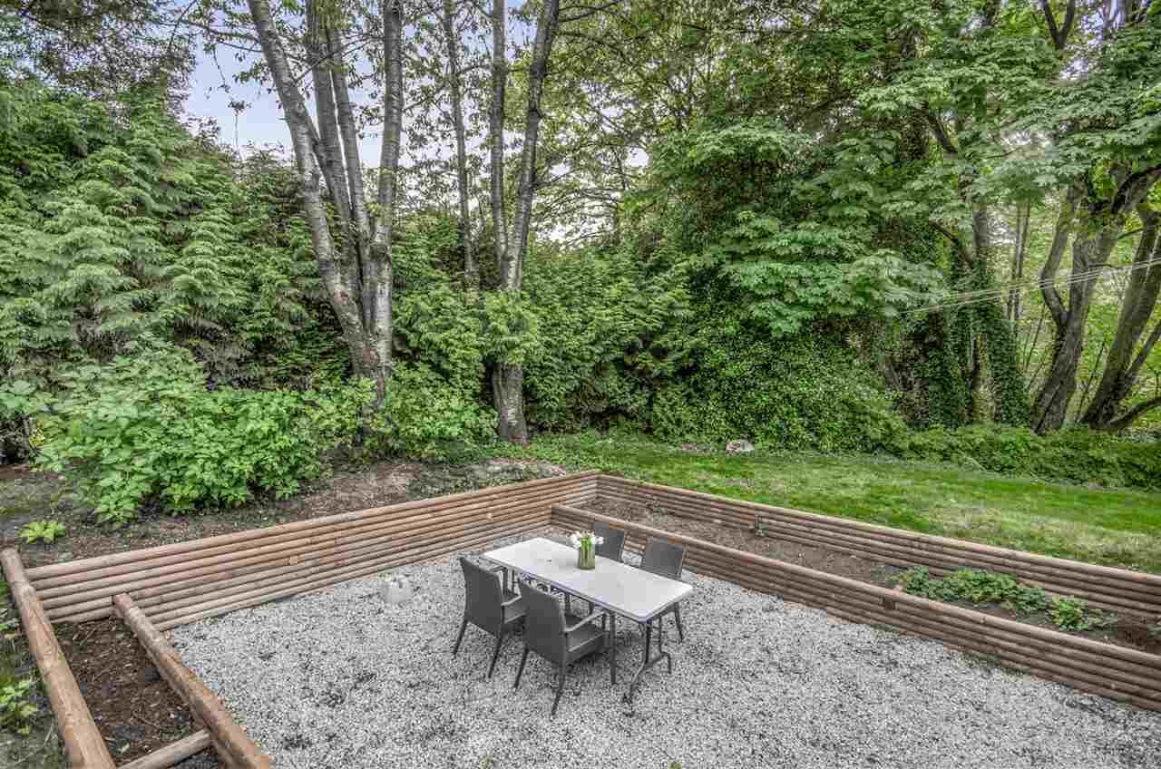Detached at 2405 NORCREST COURT, Burnaby North, British Columbia. Image 20
