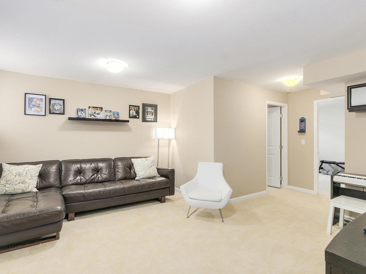 Detached at 18 3363 ROSEMARY HEIGHTS CRESCENT, Unit 18, South Surrey White Rock, British Columbia. Image 17