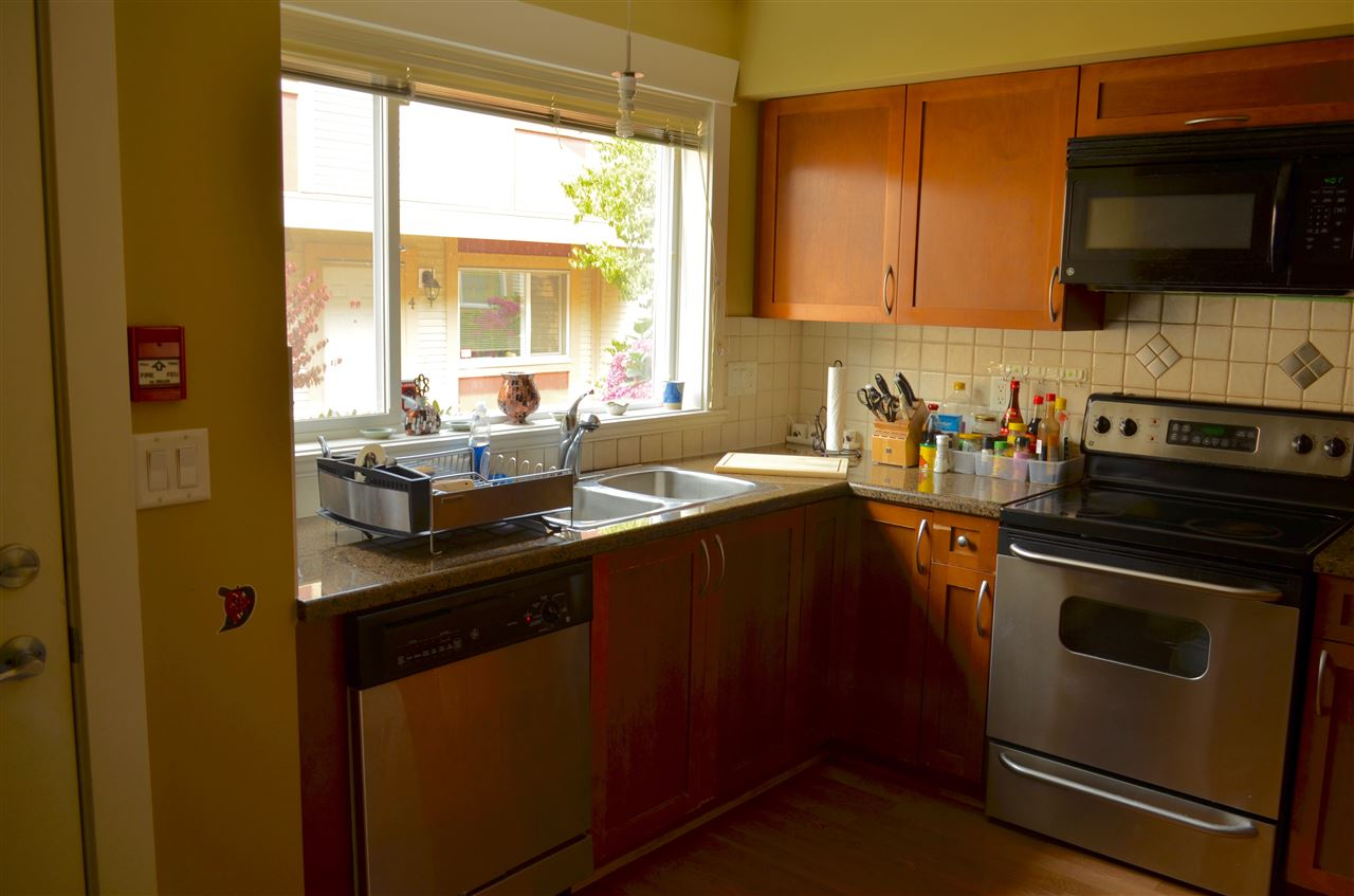 Townhouse at 9 6481 ELGIN AVENUE, Unit 9, Burnaby South, British Columbia. Image 6