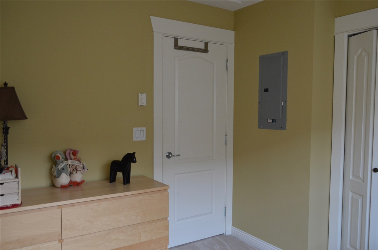 Townhouse at 9 6481 ELGIN AVENUE, Unit 9, Burnaby South, British Columbia. Image 17
