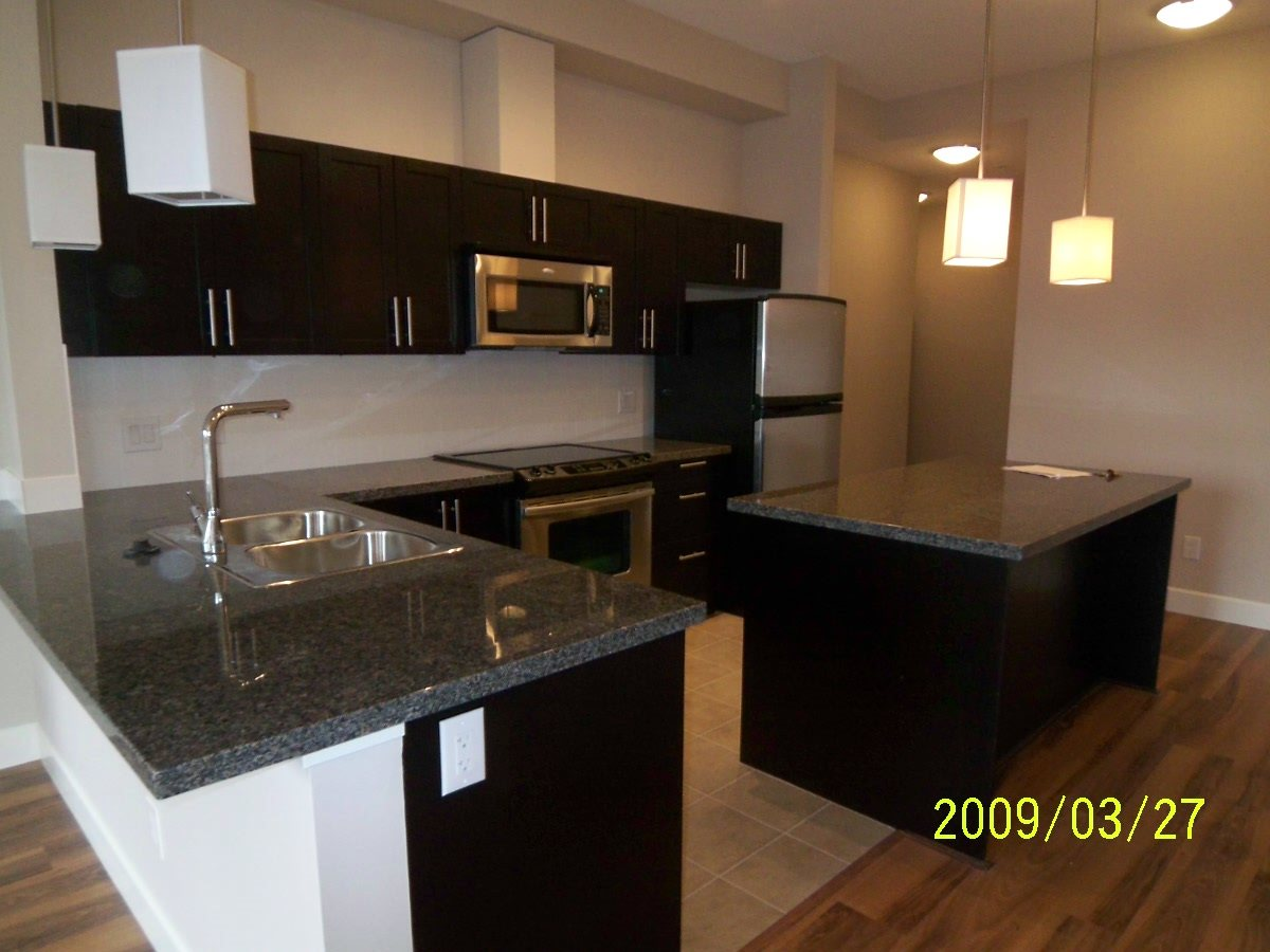 Condo Apartment at 107 12283 224 STREET, Unit 107, Maple Ridge, British Columbia. Image 2