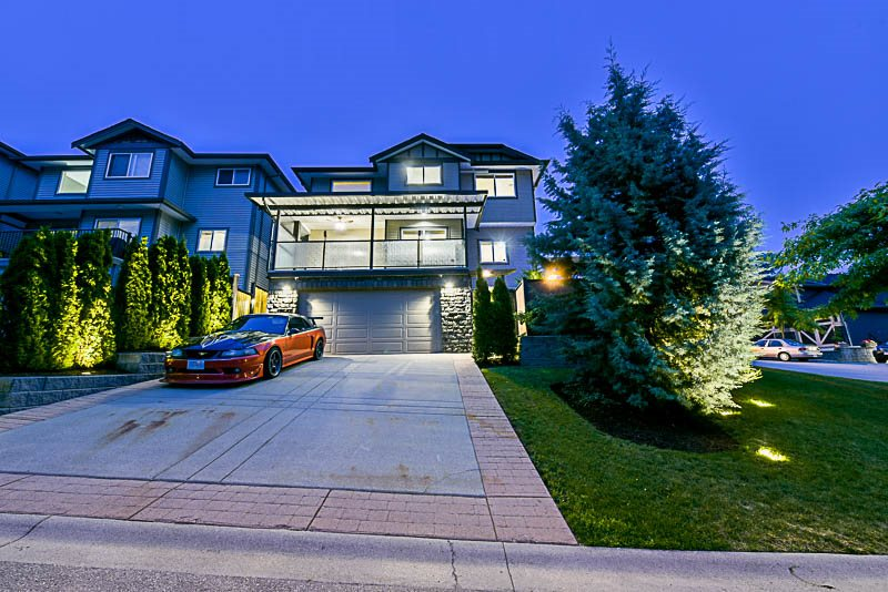 Detached at 10303 ROBERTSON STREET, Maple Ridge, British Columbia. Image 20