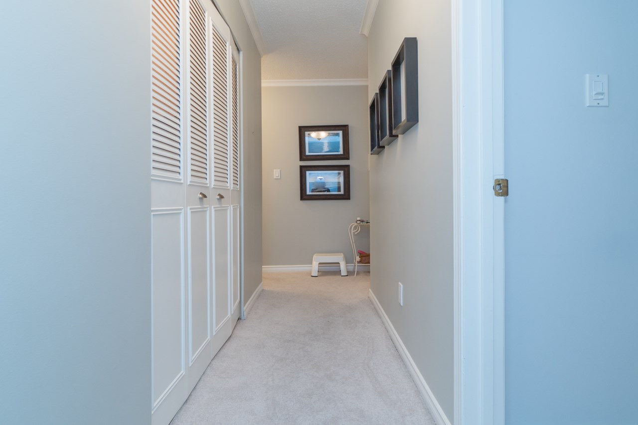 Condo Apartment at 203 1371 FOSTER STREET, Unit 203, South Surrey White Rock, British Columbia. Image 14