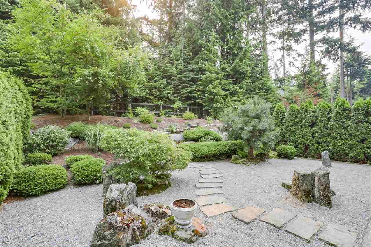 Detached at 1827 PARKWAY BOULEVARD, Coquitlam, British Columbia. Image 2