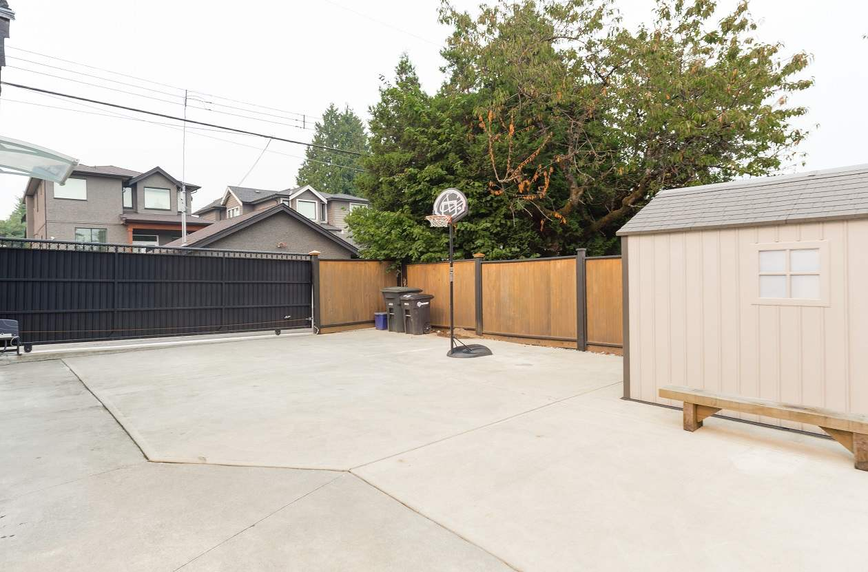 Detached at 3873 PINE STREET, Burnaby South, British Columbia. Image 17