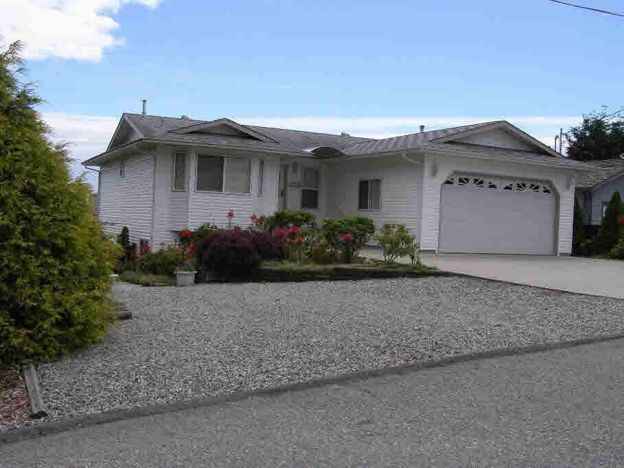 Detached at 4353 MARBLE ROAD, Sunshine Coast, British Columbia. Image 1