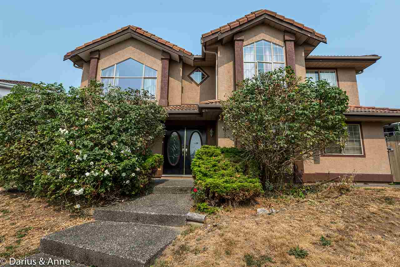 Detached at 8362 150A STREET, Surrey, British Columbia. Image 1