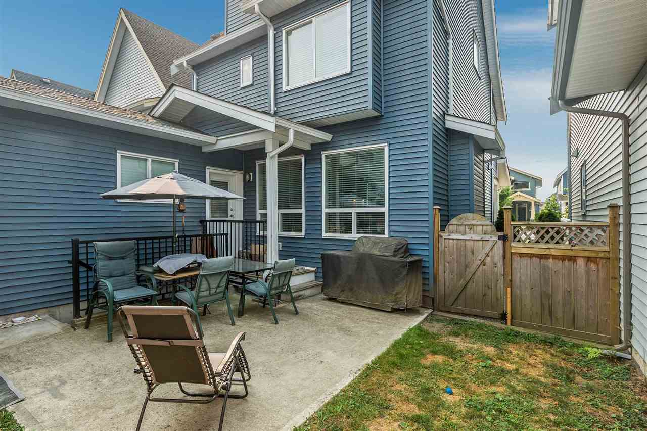 Detached at 19253 69A AVENUE, Cloverdale, British Columbia. Image 3