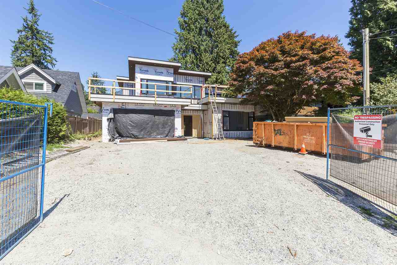 Detached at 1120 TALL TREE LANE, North Vancouver, British Columbia. Image 3