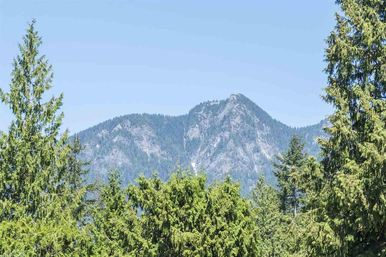 Detached at 1120 TALL TREE LANE, North Vancouver, British Columbia. Image 12