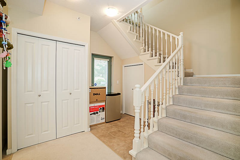 Townhouse at 5 6611 SOUTHOAKS CRESCENT, Unit 5, Burnaby South, British Columbia. Image 10