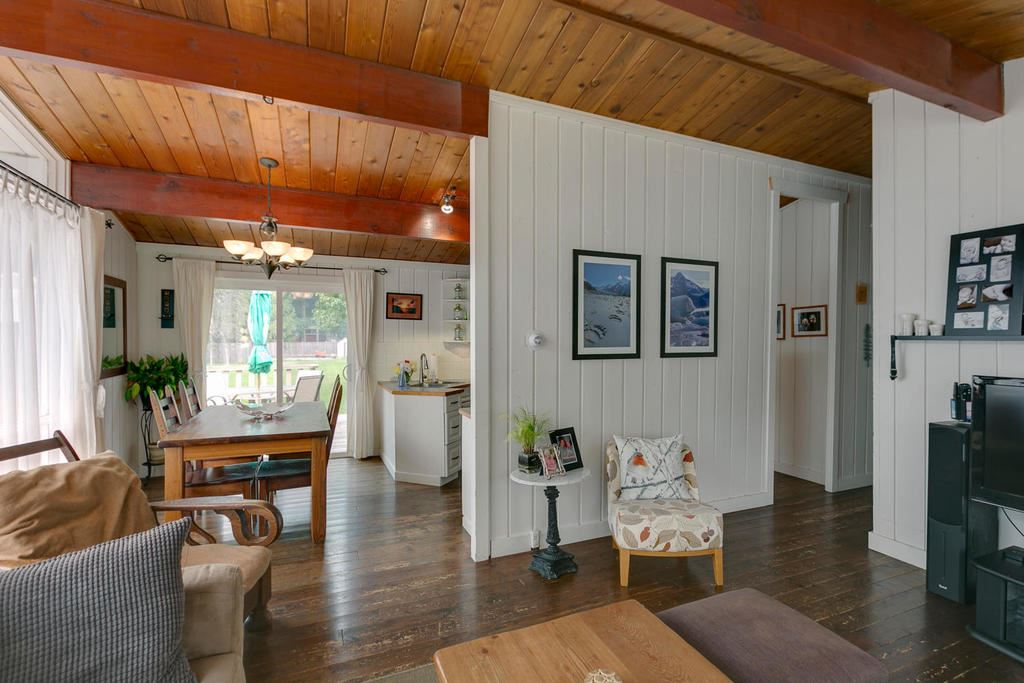 Detached at 41703 COTTONWOOD ROAD, Squamish, British Columbia. Image 4
