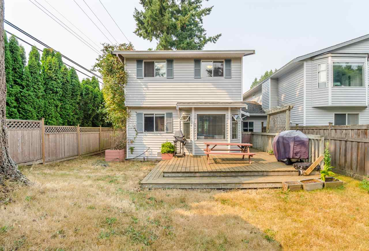 Half-duplex at 15410 20 AVENUE, South Surrey White Rock, British Columbia. Image 13