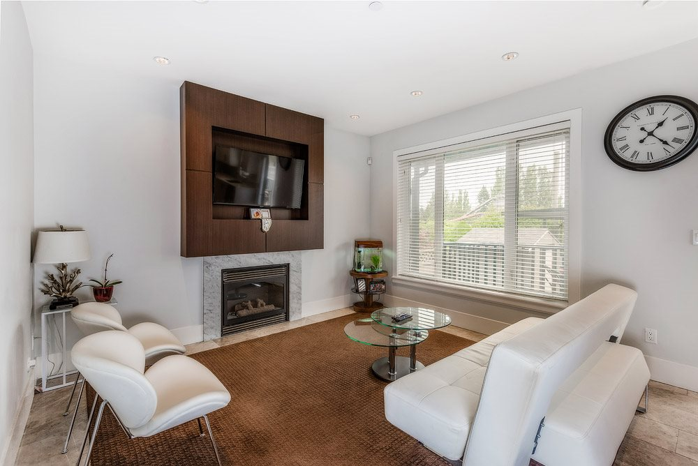 Detached at 3740 BEATRICE STREET, Vancouver East, British Columbia. Image 9