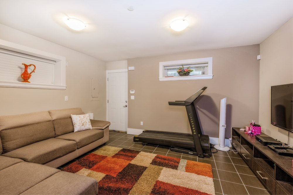 Detached at 3740 BEATRICE STREET, Vancouver East, British Columbia. Image 17