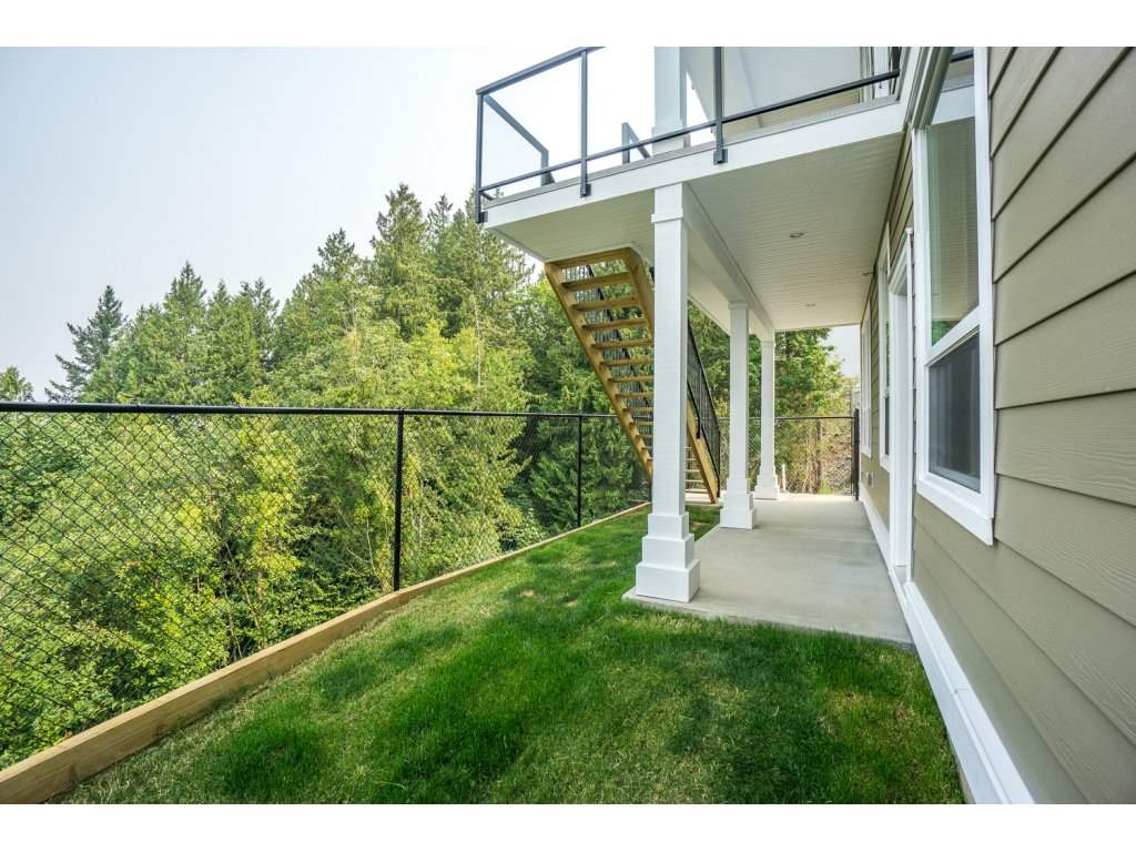 Detached at 46897 SYLVAN DRIVE, Sardis, British Columbia. Image 18