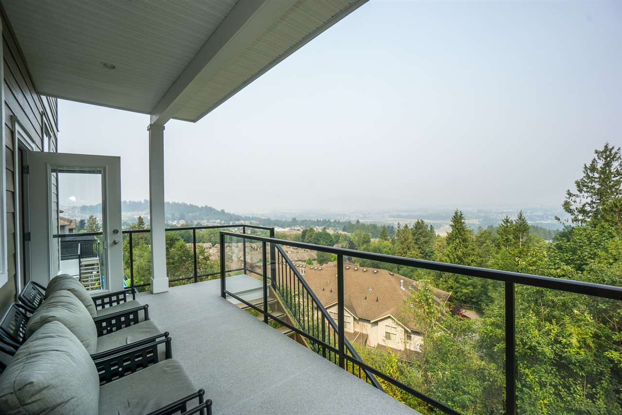 Detached at 46897 SYLVAN DRIVE, Sardis, British Columbia. Image 19