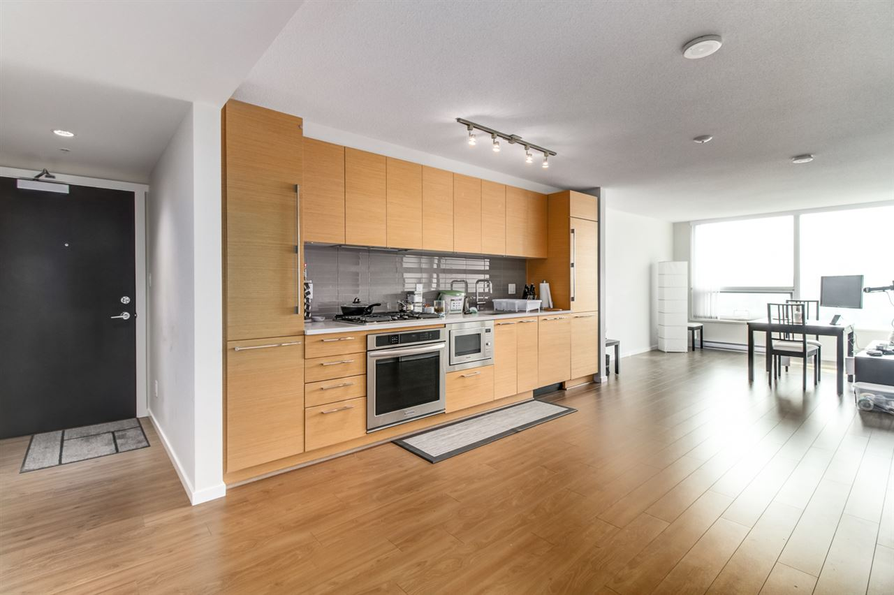 Condo Apartment at 1706 6658 DOW AVENUE, Unit 1706, Burnaby South, British Columbia. Image 3