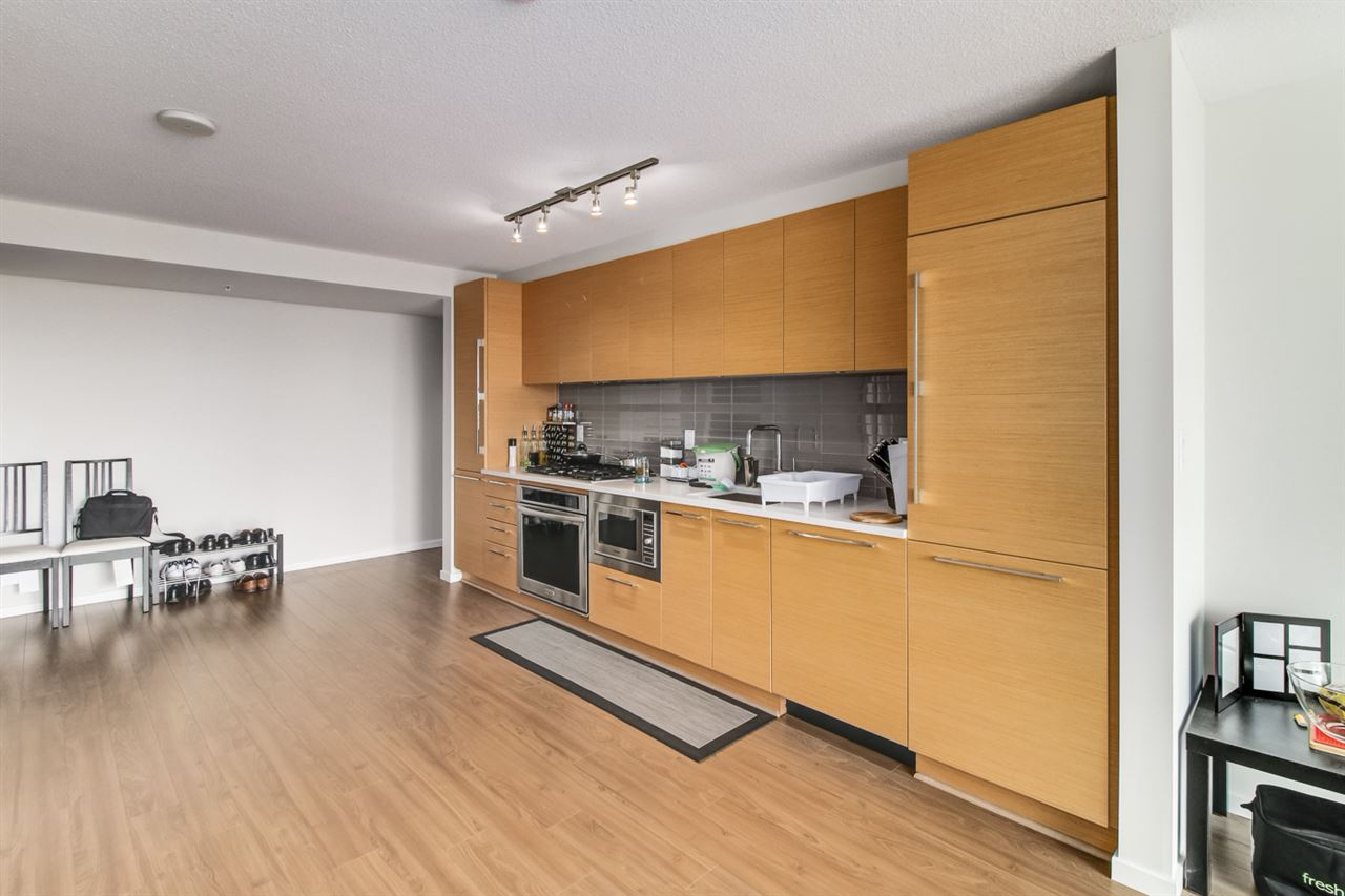 Condo Apartment at 1706 6658 DOW AVENUE, Unit 1706, Burnaby South, British Columbia. Image 4
