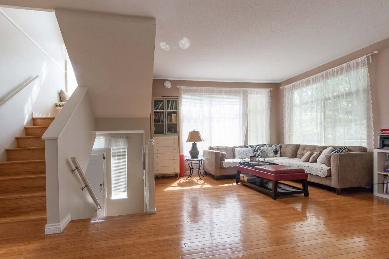 Townhouse at 4 5298 OAKMOUNT CRESCENT, Unit 4, Burnaby South, British Columbia. Image 3